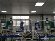 工业机器人自动化铆接♂工作站