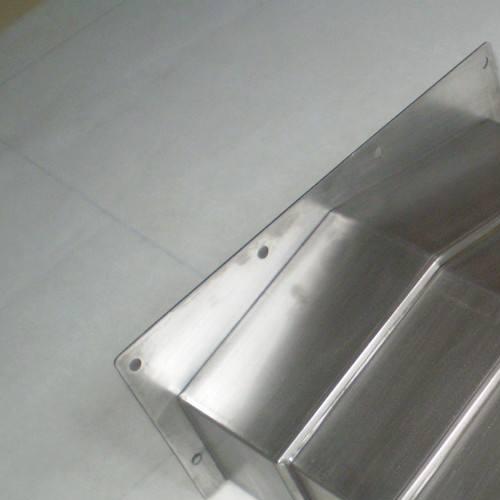 定製加工中心不鏽鋼機床防護罩西安